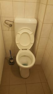 Vécé duguláselhárítás olcsón Pest megyében